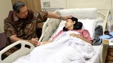 Fokus ke Ibu Ani, SBY Disebut Tak Tanggapi Debat Capres