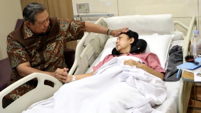 Ani Yudhoyono Sempat Masuk ICU karena Demam Tinggi