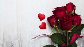 Melacak Asal-usul Mawar Merah Jadi Tanda Cinta saat Valentine