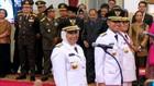 VIDEO: Jokowi Lantik Gubernur dan Wakil Gubernur Jawa Timur