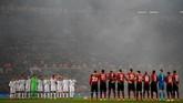 Manchester United menjamu Paris Saint-Germain dalam laga pertama babak 16 besar Liga Champions di Stadion Old Trafford, Selasa (12/2) waktu setempat. (REUTERS/Phil Noble)