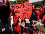 Tuntut Kenaikan Upah, Guru di AS Demo dan Mogok Mengajar