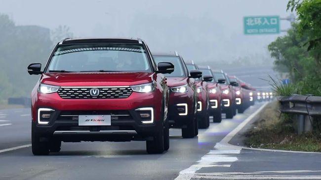 China Gelar Pawai Mobil Otonom Terbesar di Dunia