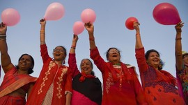 FOTO: Semarak Perayaan Valentine di Penjuru Dunia