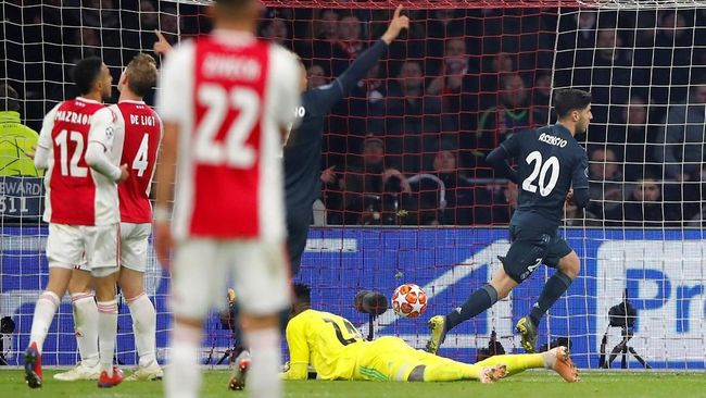 Pelatih Ajax Super Kecewa dengan Kekalahan dari Real Madrid
