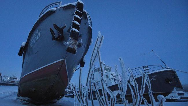 Dibayar Puluhan Juta untuk Melubangi Es di Siberia