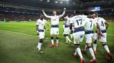 Kemenangan tiga gol tanpa balas memperbesar peluang Tottenham Hotspur meraih tiket ke perempat final kendati masih harus menjalani laga tandang ke Jerman pada awal Maret. (REUTERS/David Klein)