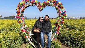 Hari Valentine, Foto Mesra Ahok-Puput di Kursi 'Love' Beredar