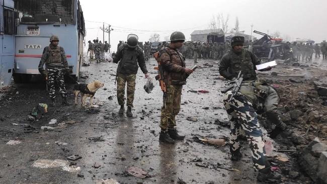Ditetapkan sebagai organisasi teroris oleh Kementerian Luar Negeri AS sejak 2001, kelompok ini berupaya menyatukan wilayah Kashmir yang dikuasai India dengan Pakistan. (Reuters/Younis Khaliq)
