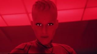 Kolaborasi Bareng Zedd, Katy Perry Jadi Robot Android
