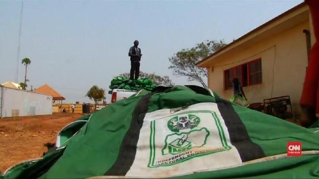 VIDEO: Nigeria Tunda Pemilu Hingga Sepekan Ke Depan
