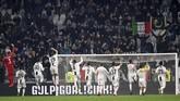 Juventus merayakan kemenangan atas Frosinone. Kemenangan menjadi modal berharga jelang melawan Atletico Madrid pada leg pertama babak 16 besar Liga Champions tengah pekan depan. (REUTERS/Massimo Pinca)