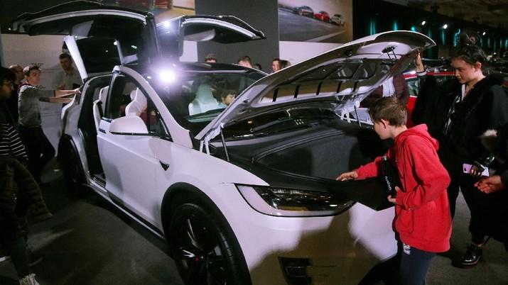 Karena Cuitan Elon Musk, Saham Tesla Terendah Dalam 5 Bulan