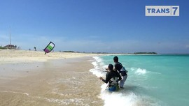 VIDEO: Menjajal Kite Surfing di Lombok