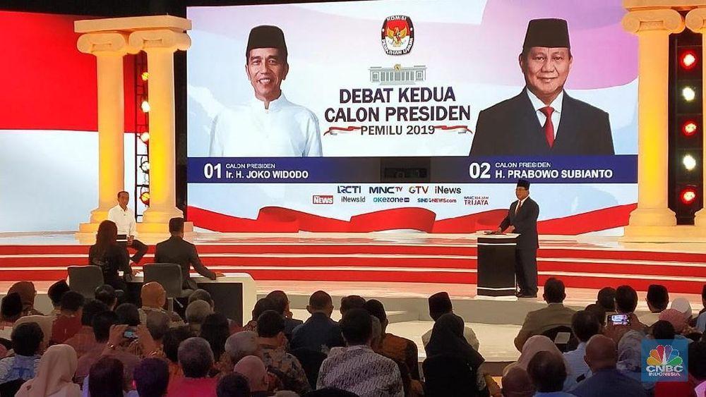 Suasana dalam venue ruang debat Calon Presiden 01 Joko Widodo dan calon Presiden 02 Prabowo Subianto dalam acara debat Calon presiden putaran kedua di Holten Sultan Jakarta, Minggu (17/2).(CNBC Indonesia/Andrean Kristianto)