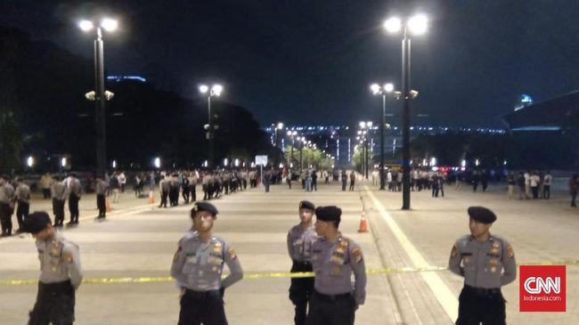Polisi Cek CCTV Lokasi Ledakan Parkir Timur Senayan