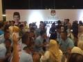 VIDEO: Dua Kubu Pendukung Sambut Capres dengan Yel-yel