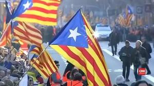 VIDEO: Ribuan Warga Catalonia Desak Tokoh Separatis Bebas