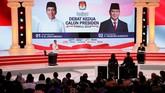 Salah satu poin menarik dalam debat ini yang kemudian menarik perbincangan massa adalah ketika Prabowo menanyakan ulang makna Unicorn kepada Jokowi. Jokowi juga disebut berbohong soal tidak terjadi kebakaran hutan dalam era pemerintahannya. (REUTERS/Willy Kurniawan)