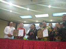 Canda Menteri Rini: Bos Pertamina Pacarnya Empat