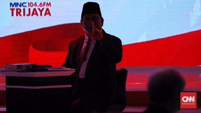 Dalam pernyataan penutup, Prabowo Subianto menyatakan bahwa pemerintah harus menjaga agar kekayaan alam tidak lari ke luar negeri, sesuai dengan pasal 33 UUD 1945. (CNN Indonesia/Hesti Rika)
