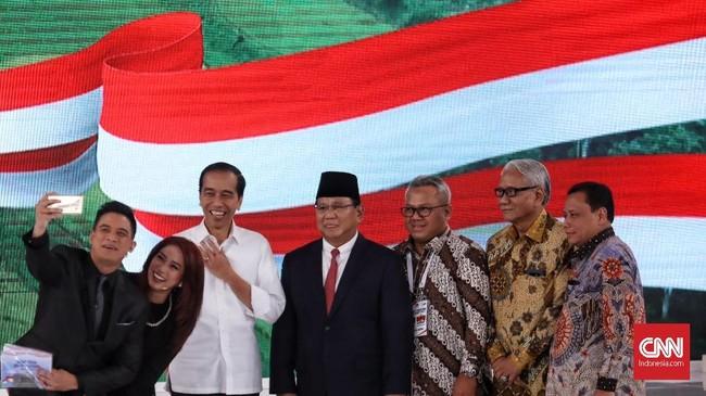 FOTO: Tarung Jokowi vs Prabowo di Debat Capres Kedua