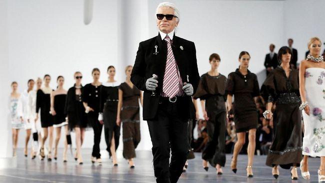 Desain Baju Karl Lagerfield Dilelang Puluhan Juta Rupiah