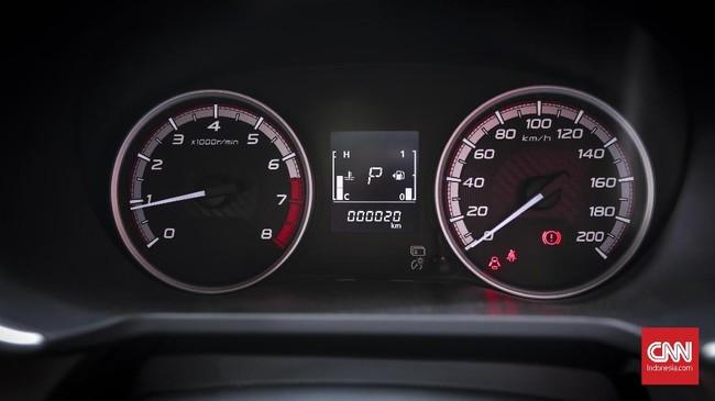 Indikator bensin dan penunjuk kecepatan mobil bisa dipantau dengan mudah. (CNNIndonesia/Safir Makki)