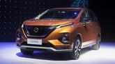 Peluncuran All New Nissan Livina di Jakarta, Selasa (19/2). Harga Nissan Livina generasi ketiga dijual mulai Rp198,8 juta sampai Rp261,9 juta. (CNNIndonesia/Safir Makki)
