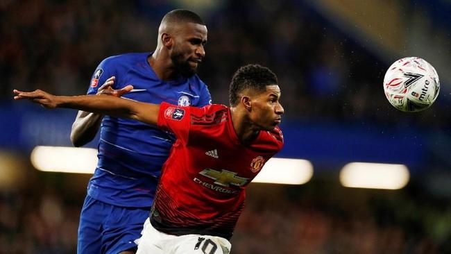 Marcus Rashford (kanan) sudah terlibat dalam 63 gol Man United di semua kompetisi sejak debut pada Februari 2016. Sampai dengan saat ini Rashford mencetak 42 gol dan memberikan 21 assist. (Action Images via Reuters/John Sibley)