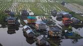 Pemandangan pemukiman di DanauInle, Shan State, Myanmar dari wisata balon udara.