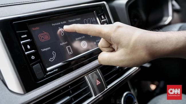 Interiornya menyimpan head unit layar sentuh berukuran tujuh inci yang dibuat untuk meningkatkan kenyamanan berkendara. (CNNIndonesia/Safir Makki)