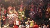 Di Bogor, Jawa Barat, Cap Go Meh dirayakan besar-besaran. Seperti tahun-tahun sebelumnya, Bogor punya Festival Cap Go Meh di Jalan Raya Surya Kencana. Perayaan itu menampilkan berbagai kesenian dan kebudayaan Tionghoa serta Indonesia. (ANTARA FOTO/Yulius Satria Wijaya)