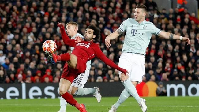 Mohamed Salah mendapat kawalan ketat dari para pemain Bayern Munchen. Skuat arahan Niko Kovac masih mampu meredam pergerakan Salah. (Reuters/Carl Recine)