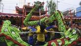 Perayaan Cap Go Meh di Kelenteng Hok Tek Bio, Salatiga, Jawa Tengah meriah dengan kesenian Naga Liong. (ANTARA FOTO/Aloysius Jarot Nugroho)