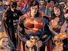 'Superman Surabaya Kalahkan Superman Asli DC Comics'