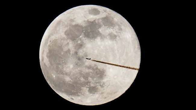 Sejumlah negara menyematkan nama unik untuk supermoon yang muncul di Februari, mulai dari Snow Moon,Harvest Moon, Wolf Moon, Buck Moon dan Sturgeon Moon.(Daniel Karmann /dpa via AP)