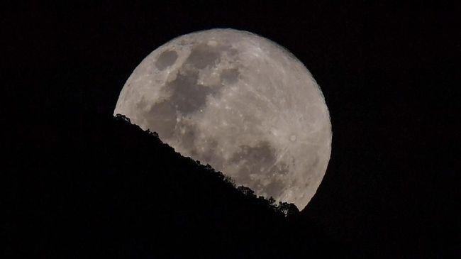 Ilmuwan Temukan Sumber Air di Bulan