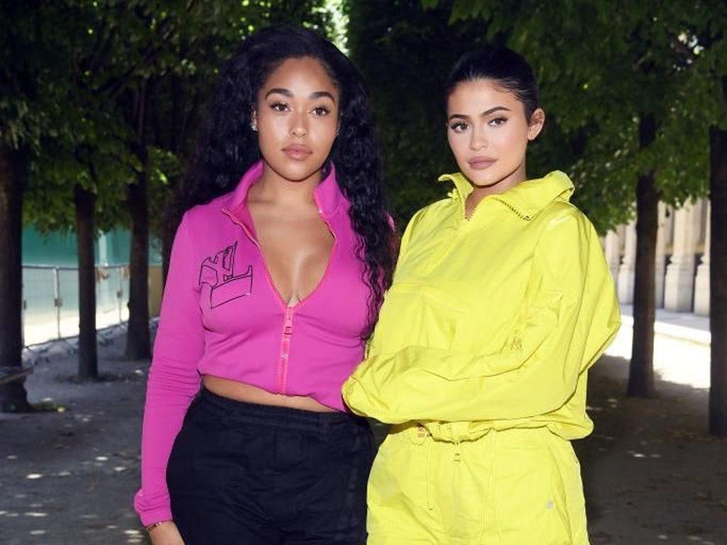 Kylie Jenner Diskon Lipstik Jordyn Woods Setelah Skandal Perselingkuhan