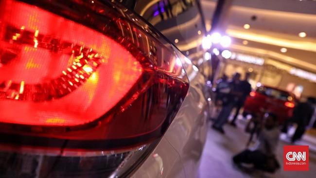 Lampu belakang new Honda Mobilio diubah untuk meningkatkan kesan sporty. Dan bagian depan dengan New Projector Headlamp with LED Daytime Running Light. (CNN Indonesia/Hesti Rika)