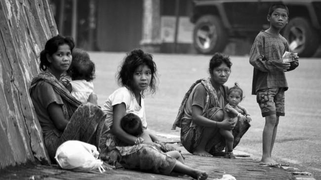 Pemerintah dinilai perlu mengalokasikan lahan dan hutan sebagai penghidupan Orang Rimba ke depan dan terus melakukan pendampingan dan pemberian layanan pendidikan secara berkelanjutan yang disesuaikan dengan budaya dan pemahaman mereka.(ANTARA FOTO/Wahdi Septiawan)