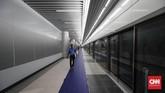 Rencananya, pemerintah akan menetapkan tarif MRT berdasarkan tiga zona, yakni zona luar, zona lingkar luar, dan zona dalam. (CNNIndonesia/Safir Makki)
