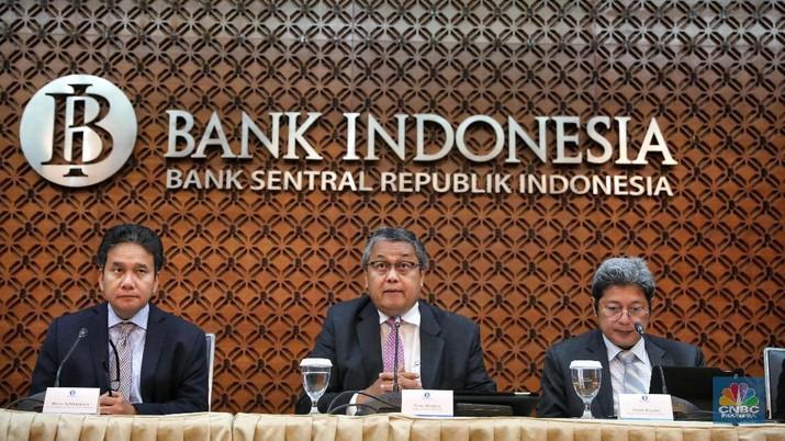 Bank Indonesia (BI) memutuskan untuk kembali menahan bunga acuan di level 6% sejalan dengan upaya untuk menjaga stabilitas eksternal.