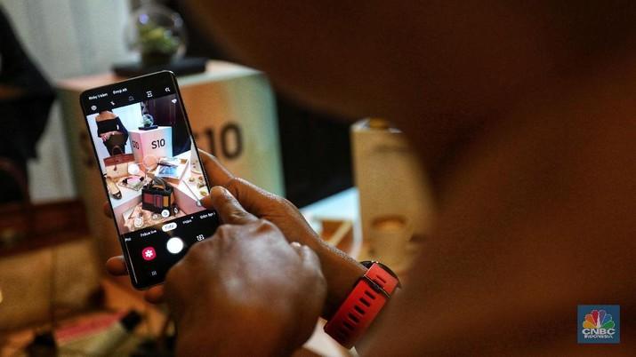 Rilis 8 maret tahun ini, Galaxy S10 adalah ponsel berlayar lebar yang mungkin dibutuhkan penguna Samsung saat ini.