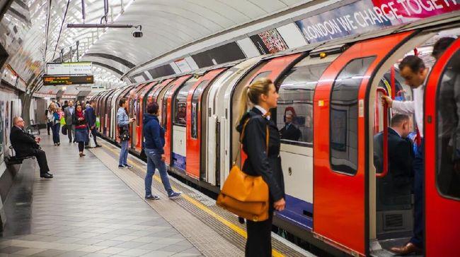 Hikayat Kereta Bawah Tanah dari London sampai Jakarta