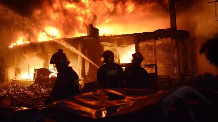 Tragis! Kebakaran Gedung di Bangladesh Bikin 70 Orang Tewas