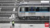 MRT Jakarta saat ini tengah melakukan uji coba terbatas rute Bundaran HI-Lebak Bulus hingga 25 Februari 2019 dengan melibatkan pihak-pihak yang berkepentingan secara terbatas. (CNNIndonesia/Safir Makki)