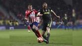 Bek Juventus Giorgio Chiellini melakukan enam kali sapu bersih saat menghadapi Atletico Madrid. Serangan Atletico membuat lini belakang Juventus tidak bisa bersantai dalam itu. (REUTERS/Sergio Perez)