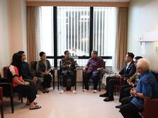 Jokowi Luangkan Waktu Besuk Ani Yudhoyono di Singapura