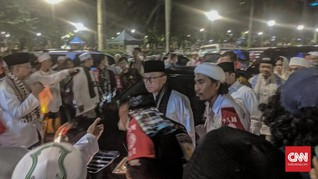 Momen Zulhasan Giring Massa Munajat 212 Teriakkan Nomor Dua